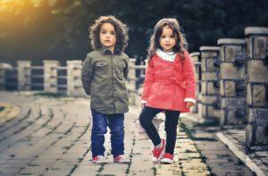 relatiestress afbeelding twee kleine kinderen